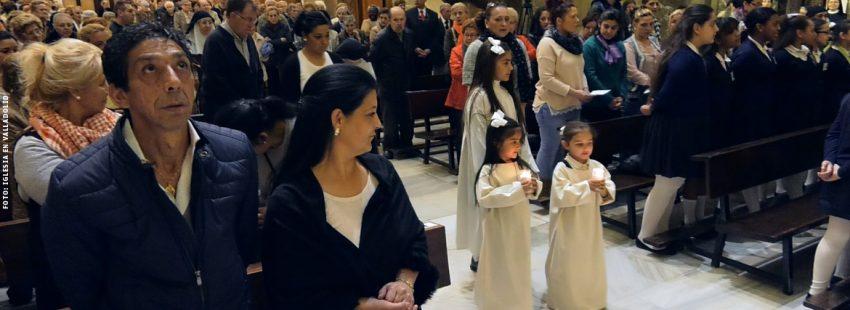 gitanos en una misa celebración eucaristía en parroquia en Valladolid