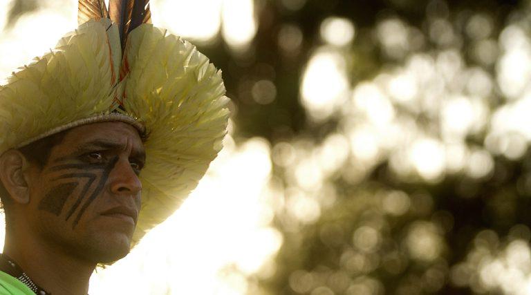 indígena Brasil Amazonía protesta contra la decisión del Gobierno de recortar sus tierras agosto 2017