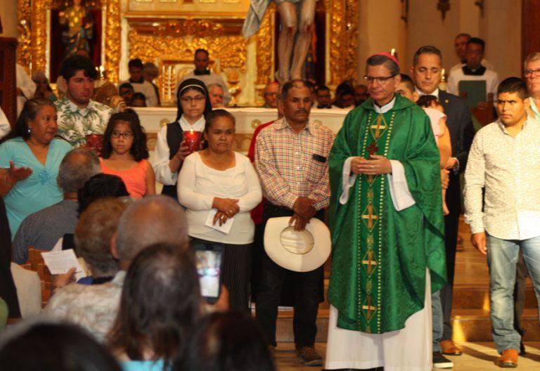 Misa contra el racismo en San Antonio (Texas) Estados Unidos migrantes