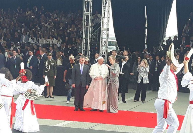 papa Francisco viaje Colombia ceremonia de bienvenida 6 septiembre 2017