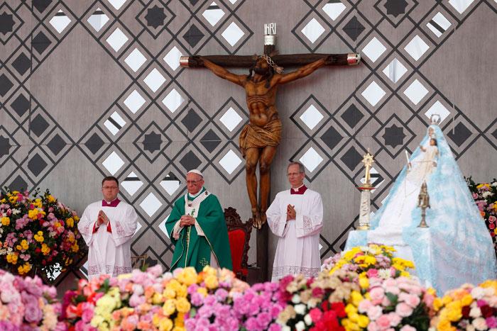 papa Francisco viaje apostólico a Colombia 6-10 septiembre 2017 misa en Cartagena Contecar