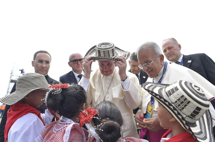 papa Francisco viaje apostólico a Colombia 6-10 septiembre 2017 con niños en Cartagena