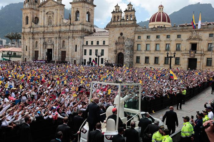 papa Francisco viaje apostólico a Colombia 6-10 septiembre 2017 misa catedral Bogotá Parque Simón Bolívar