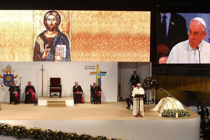 papa Francisco viaje apostólico a Colombia 6-10 septiembre 2017 Medellín encuentro con sacerdotes, religiosos, religiosas y seminaristas