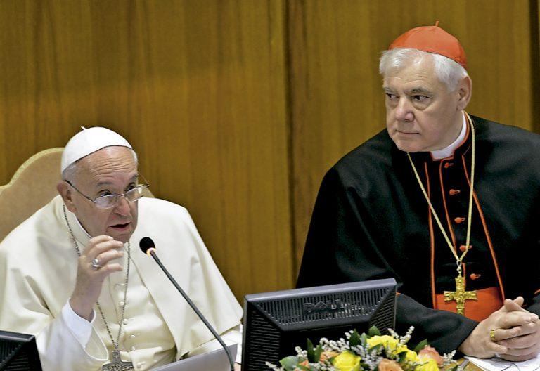 papa Francisco y cardenal Gerhard Muller