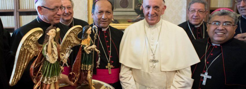 papa Francisco con los obispos de Bolivia en visita ad limina septiembre 2017