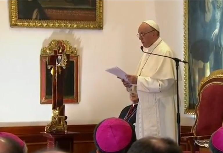 El Papa Francisco, ante los obispos colombianos en Bogotá