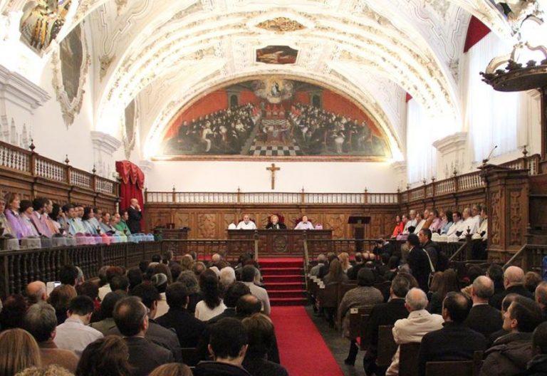 Universidad Pontificia de Salamanca UPSA acto en el Aula Magna