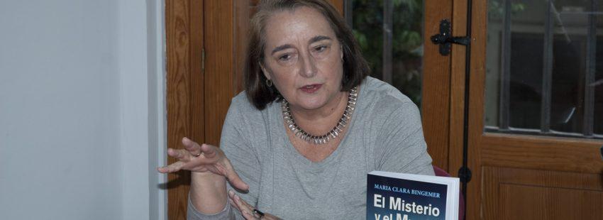 Maria Clara Bingemer teóloga brasileña presentación en Madrid de su libro El Misterio y el Mundo San Pablo octubre 2017