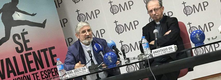 Adolfo Zon, obispo de Alto Solimoes, junto a Anastasio Gil, director de OMP