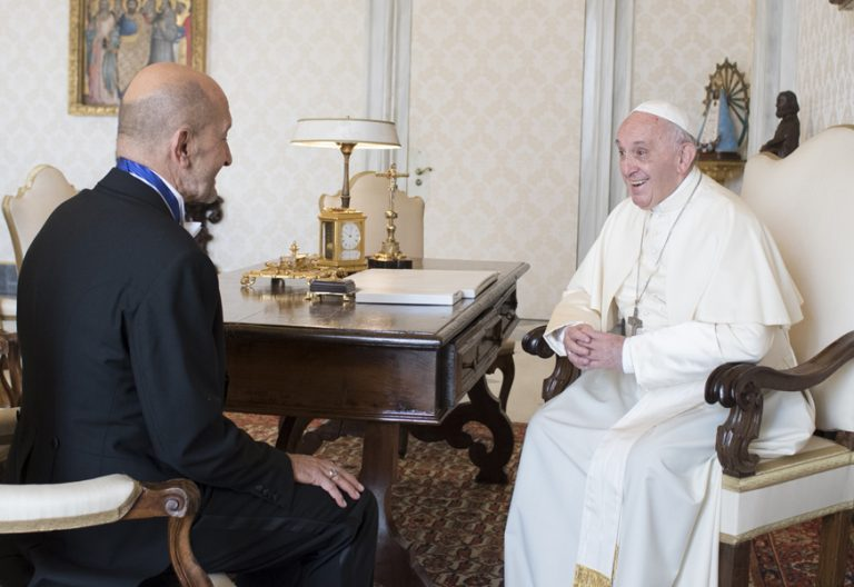 papa Francisco con el nuevo embajador español ante la Santa Sede en el Vaticano 2 octubre 2017