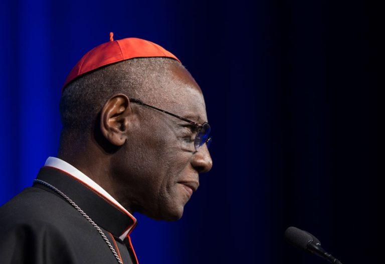 El cardenal Robert Sarah, en una conferencia archivo