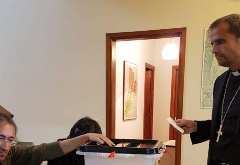 El obispo de Solsona, Xavier Novell, votando en el referéndum independentista del 1-O