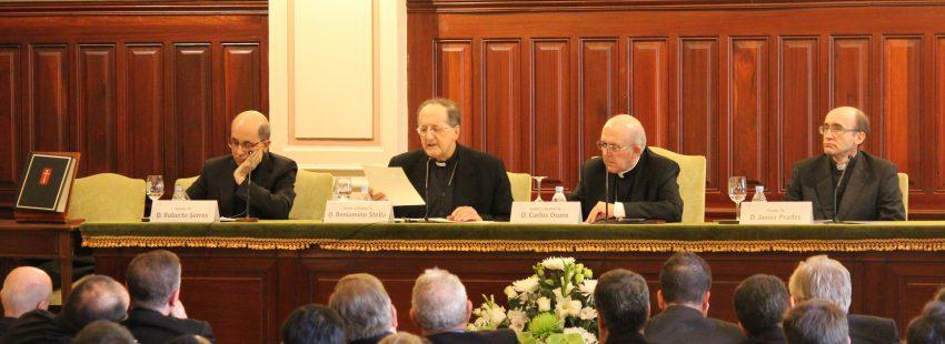 cardenal Beniamino Stella en la Universidad San Dámaso Madrid noviembre 2017