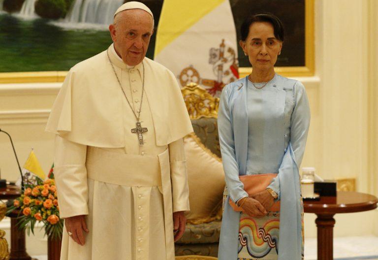 papa Francisco Myanmar encuentro con las autoridades Aung San Suu Kyi 28 noviembre 2017