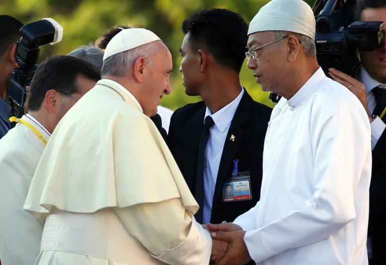 papa Francisco Myanmar encuentro con las autoridades presidente Htin Kyaw 28 noviembre 2017
