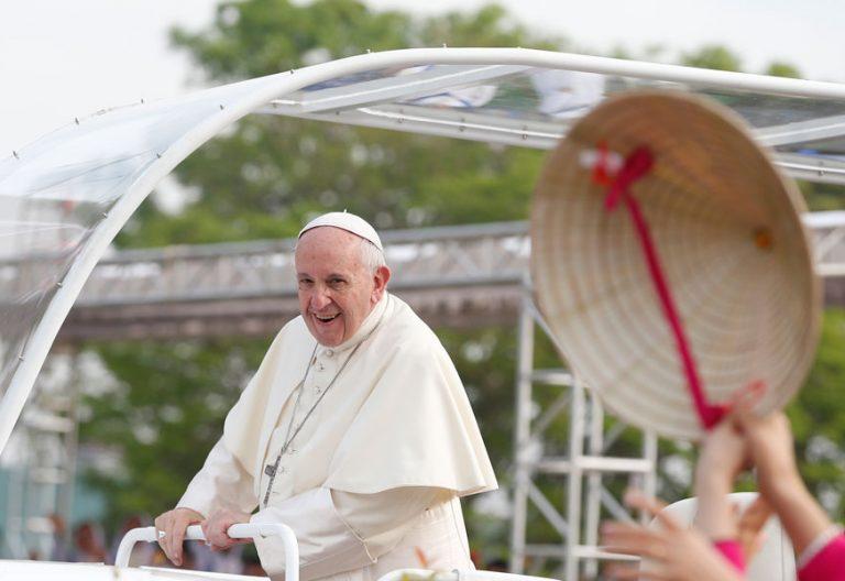 papa Francisco preside la misa en Rangún Myanmar 29 noviembre 2017