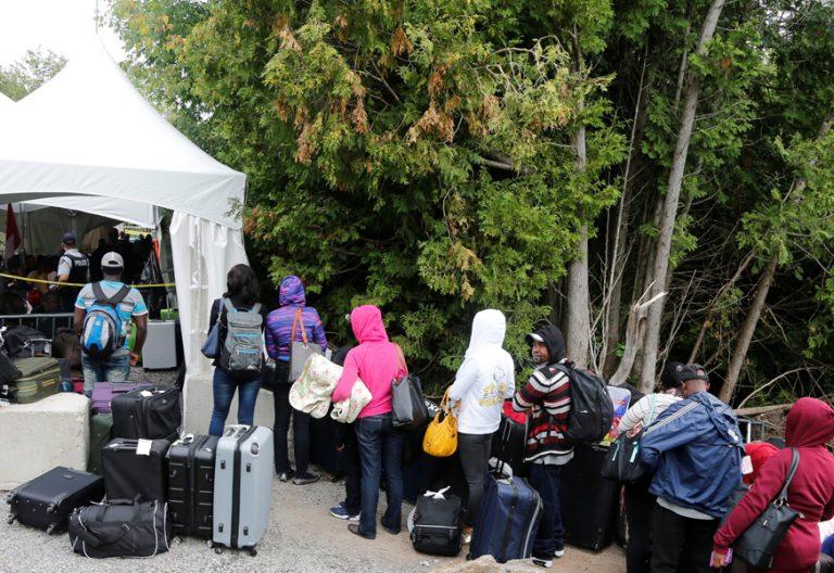 haitianos expulsados de Estados Unidos en la frontera con Canadá
