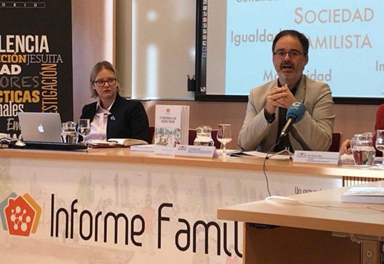Fernando Vidal, director del Instituto Universitario de Familia de Comillas, durante la presentación, el 30 de noviembre de 2017, del Informe Familia 2017