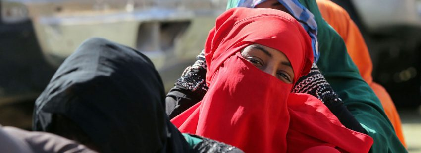 migrantes refugiados que quieren llegar a Europa frenados en Libia