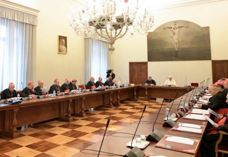 El Papa, reunido con la Curia el 13 de noviembre de 2017/CNS