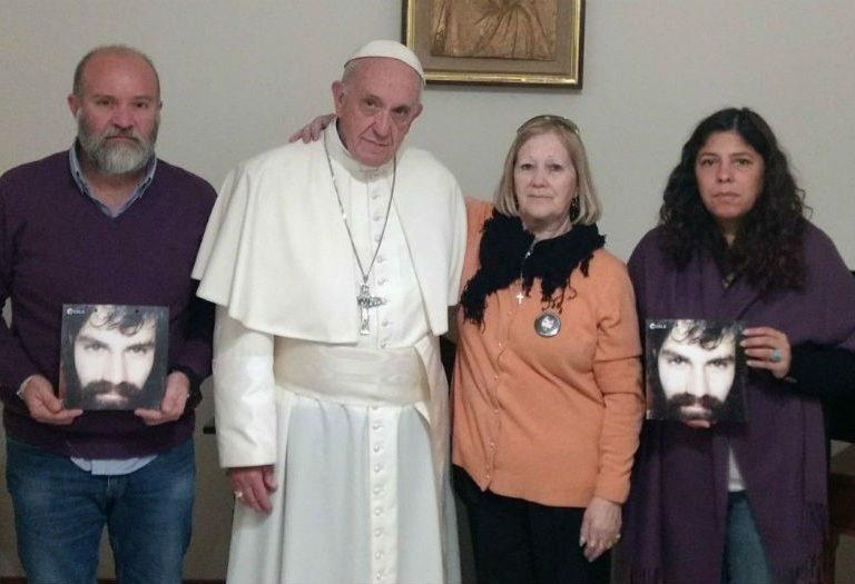 El Papa Francisco recibe a la familia del argentino Santiago Maldonado