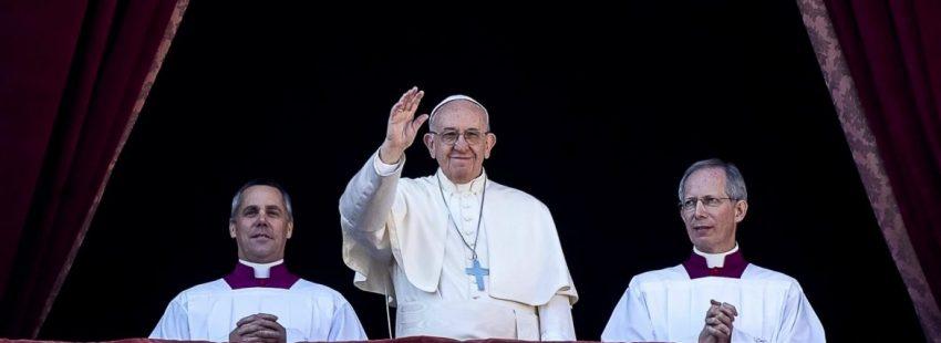 El Papa Francisco, en la bendición Urbi et Orbi en la Navidad de 2017/EFE