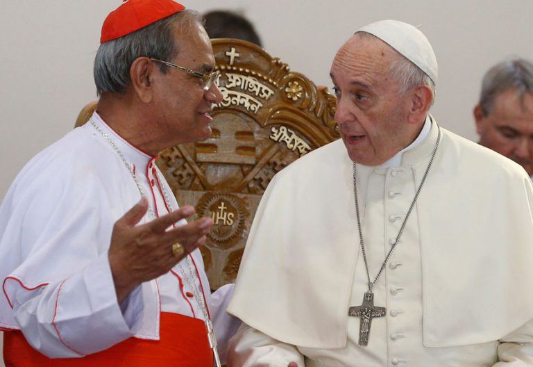 papa Francisco viaje a Bangladesh con sacerdotes y religiosos 2 diciembre 2017