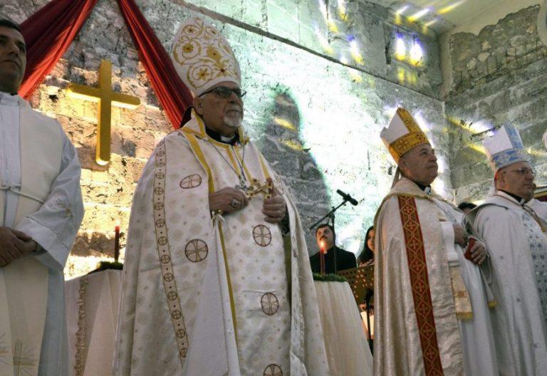 Un grupo de cristianos, en la Misa de Navidad celebrada en Mosul/EFE