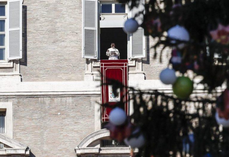 El Papa Francisco, en el Ángelus de Navidad del 24 de diciembre de 2017/EFE