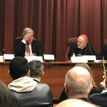 """Guzmán Carriquiri presenta con Carlos Osoro su libro sobre """"El bicentenario de la independencia"""""""