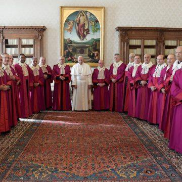 papa Francisco con miembros del Tribunal de la Rota Romana enero 2017