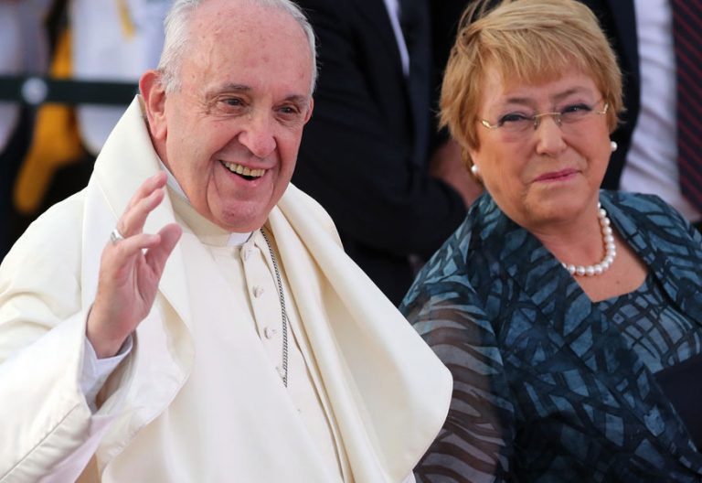 papa Francisco y Michelle Bachelet viaje Chile enero 2018