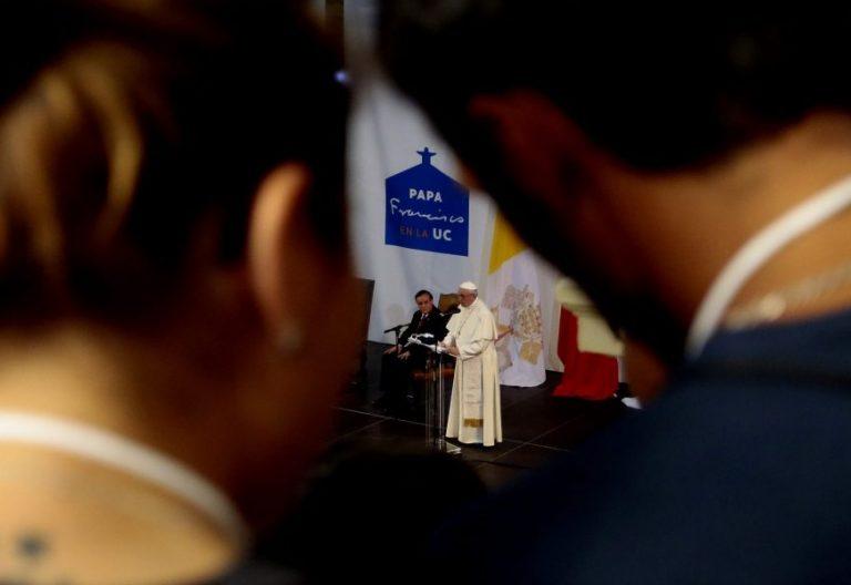 El Papa Francisco, en su visita a la Universidad Católica de Chile/EFE