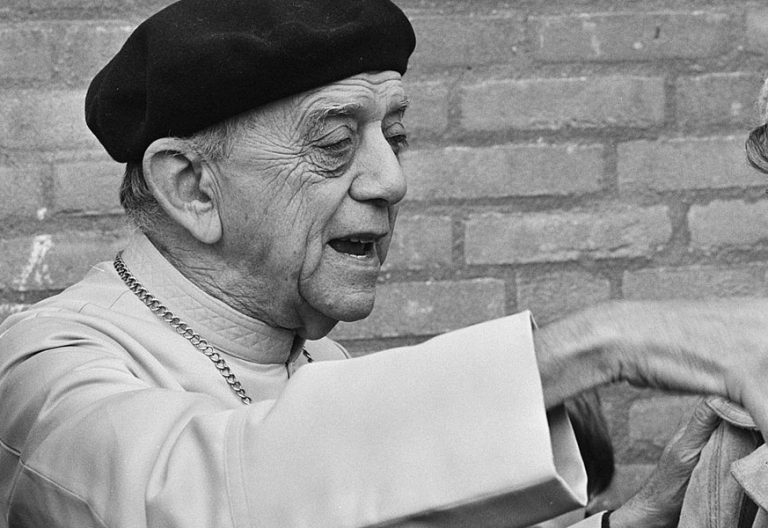 Helder Camara defensor de los derechos humanos y figura de la teología de la liberación fallecido en 1999