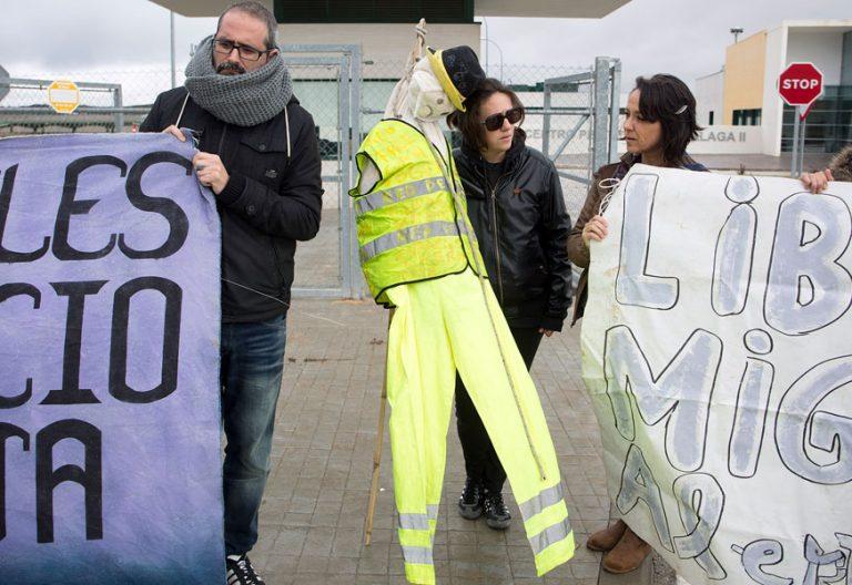 protesta en el CIE-cárcel de Archidona Málaga donde se murió suicidó un interno extranjero diciembre 2017