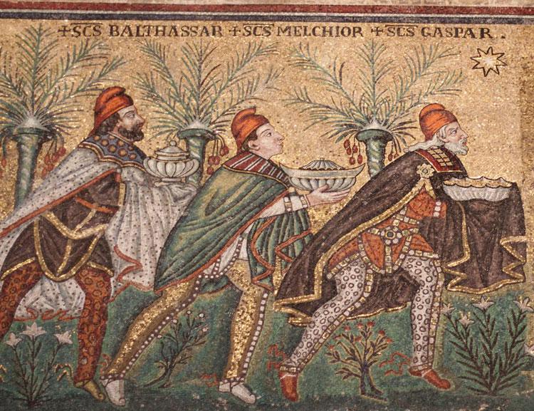 Los tres reyes magos, representados en el mosaico en San Apolinar el Nuevo de Rávena