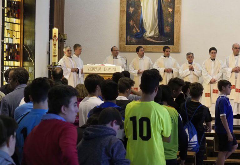 seminaristas menores en una celebración