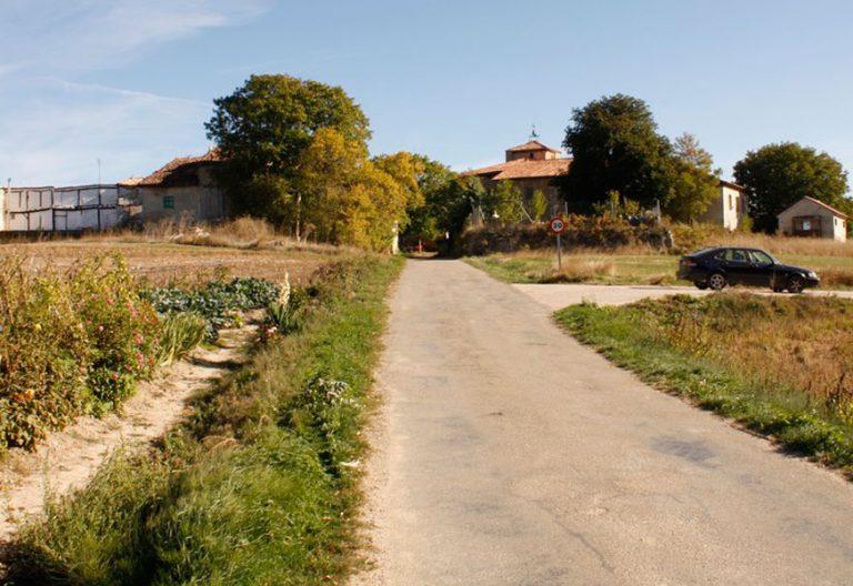 Los vecinos de Arraya de Oca (Burgos) hacen una colecta para que su parroquia siga en pie