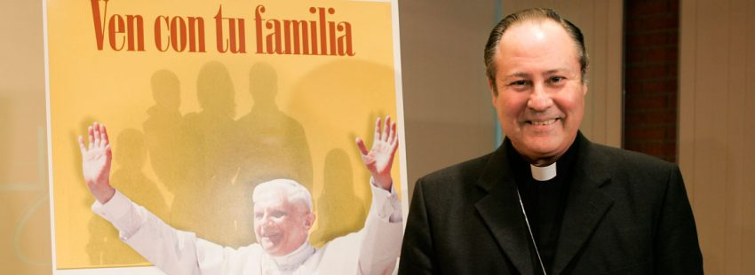 El obispo auxiliar de Valencia, Esteban Escudero, imputado por la visita de Benedicto XVI a Valencia en 2006