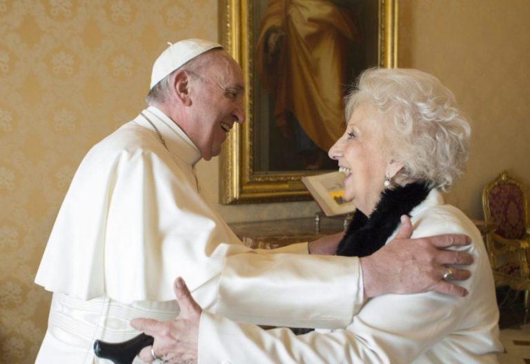 El Papa Francisco recibe a la representante de las Abuelas de la Plaza de Mayo, Estela de Carrotto/VM