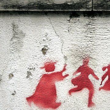 Pintada alusiva a abusos sexuales a menores por parte del clero