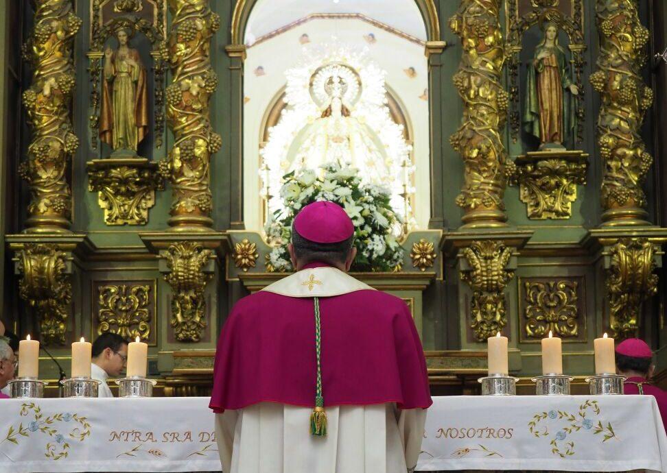 Ginés García Beltrán, a los pies de Nuestra Señora de los Ángeles, patrona de Getafe