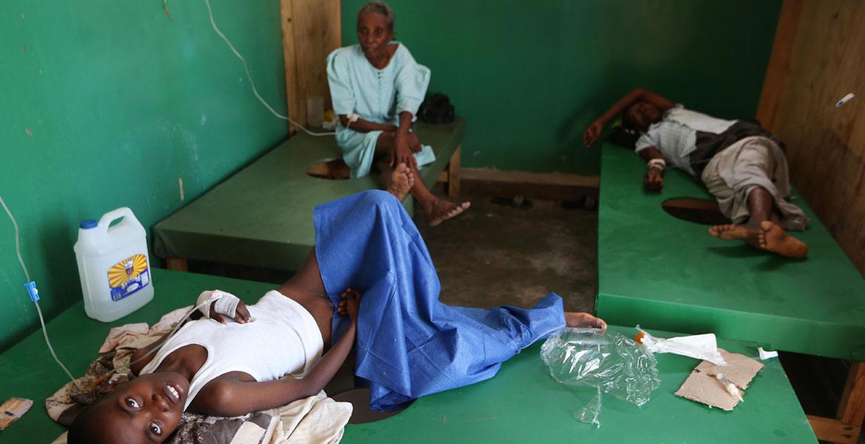 Pacientes tratados de cólera en el hospital católico St. Antoine, de Haití, en 2015.