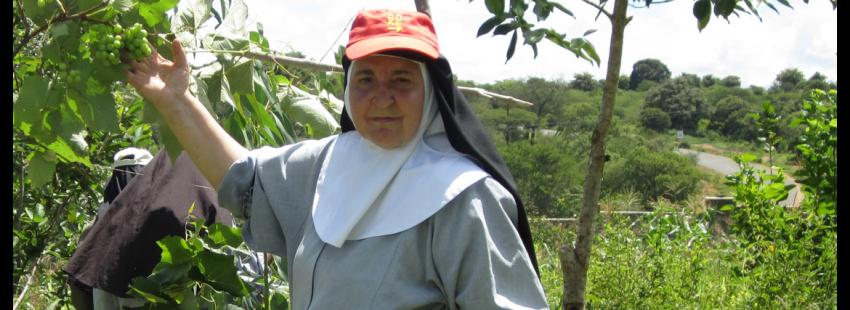 La hermana María José Vila encuentra agua en Kenia