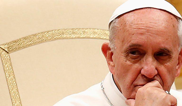 Francisco presenta el Motu Proprio sobre la renuncia de los cargos