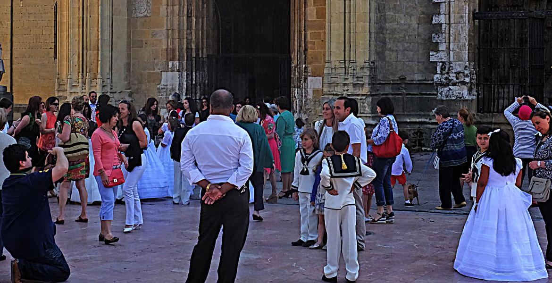 Un niño valenciano dona 7.000 euros a Manos Unidas por los regalos de su comunión