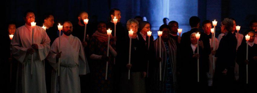 religiosos y religiosas celebrando en el Vaticano la Jornada Mundial de la Vida Consagrada 2 febrero 2017