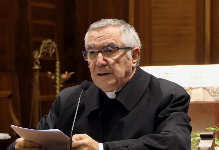 El obispo de Santander Manuel Sánchez Monge