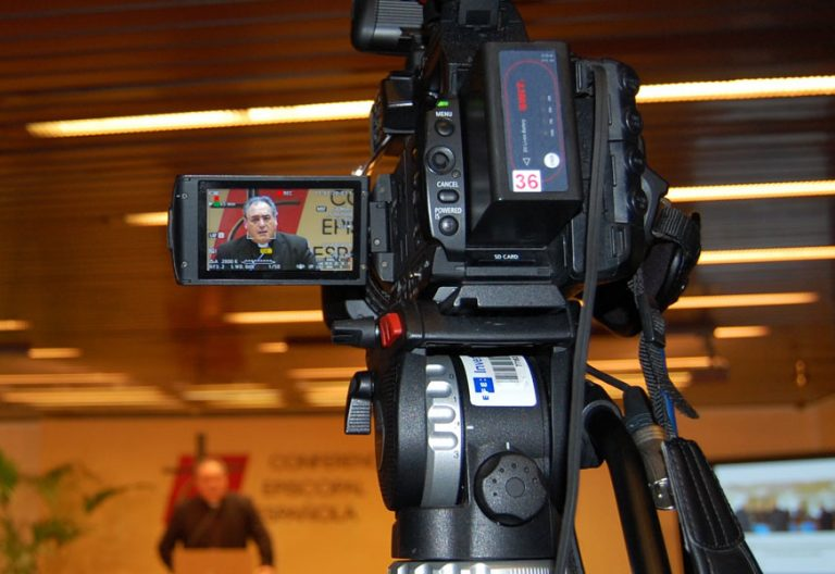 José María Gil Tamayo, en rueda de prensa en la Conferencia Episcopal Española